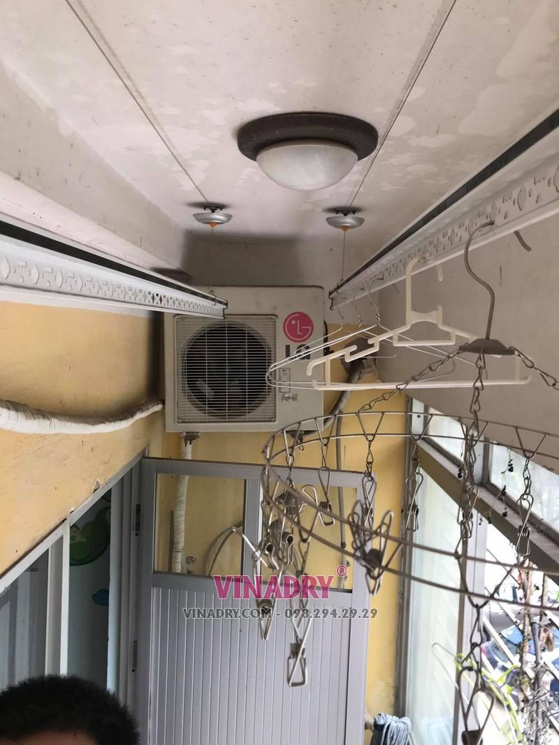 Sửa giàn phơi cho nhà chị Mai tại căn 202, chung cư N2E, Trung Hòa, Nhân Chính - 2