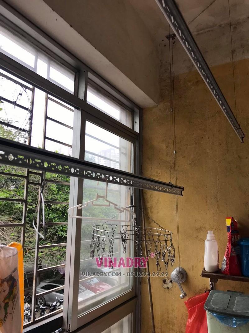 Sửa giàn phơi cho nhà chị Mai tại căn 202, chung cư N2E, Trung Hòa, Nhân Chính - 1