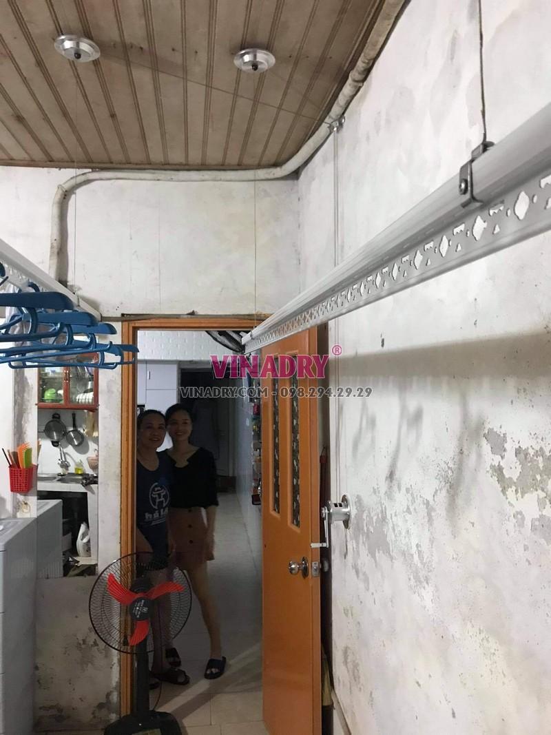 Hình ảnh lắp giàn phơi thông minh Hoàng Mai nhà chị Vy, KTT B14 - 01