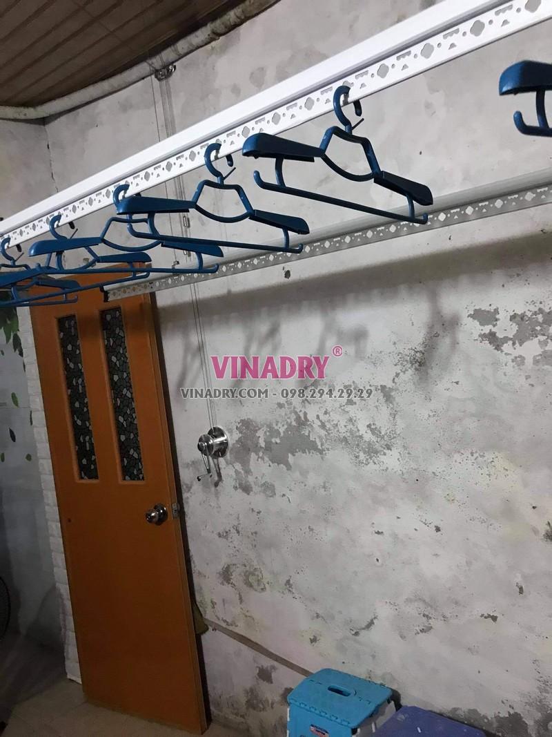 Hình ảnh lắp giàn phơi thông minh Hoàng Mai nhà chị Vy, KTT B14 - 02