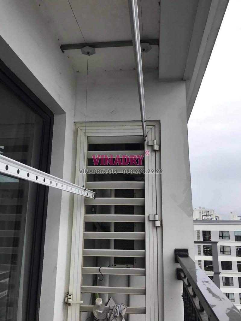 Sửa giàn phơi tại Times City nhà chị Hòa, tòa T8 - 03
