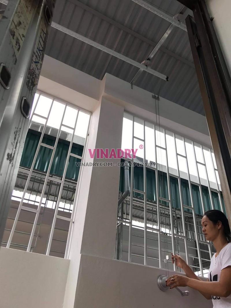 Bộ giàn phơi Hòa Phát KS950 lắp tại Long Biên nhà chị Tiên - 02