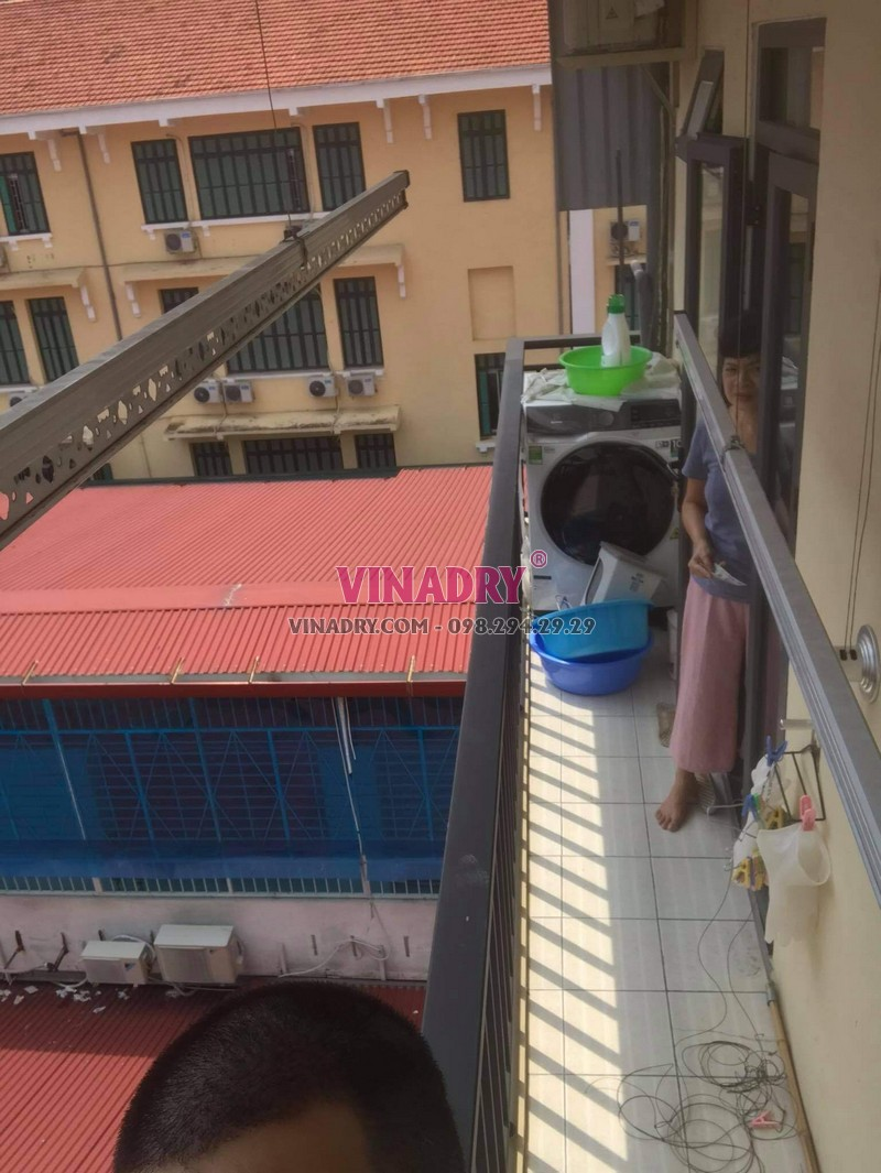 Thay dây cáp giàn phơi thông minh tại Hoàn Kiếm, số 17 Lý Thái tổ nhà chị Oanh - 08