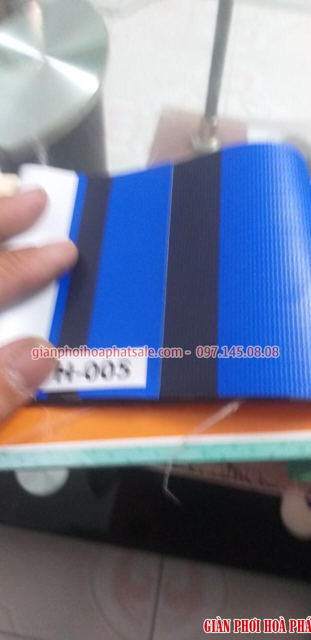 Mẫu bạt che nắng ban công H005 kết hợp các màu xanh - đen