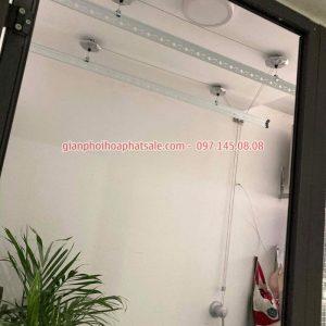 giàn phơi Hòa Phát KS950 lắp tại logia chung cư cực đẹp, gọn gàng