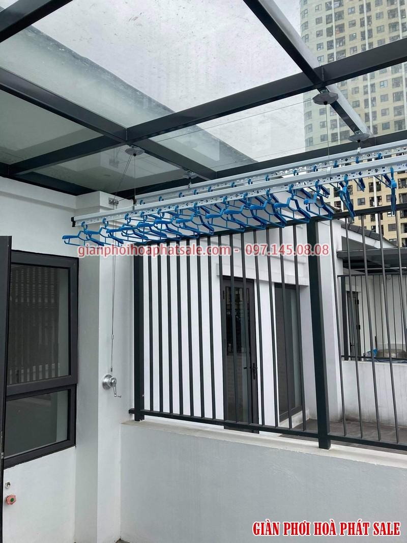 Thiết kế sân phơi tầng thượng nên sử dụng trần mái kính